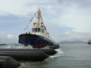 Hạ thủy thành công tàu dịch vụ Dầu khí PTSC 02